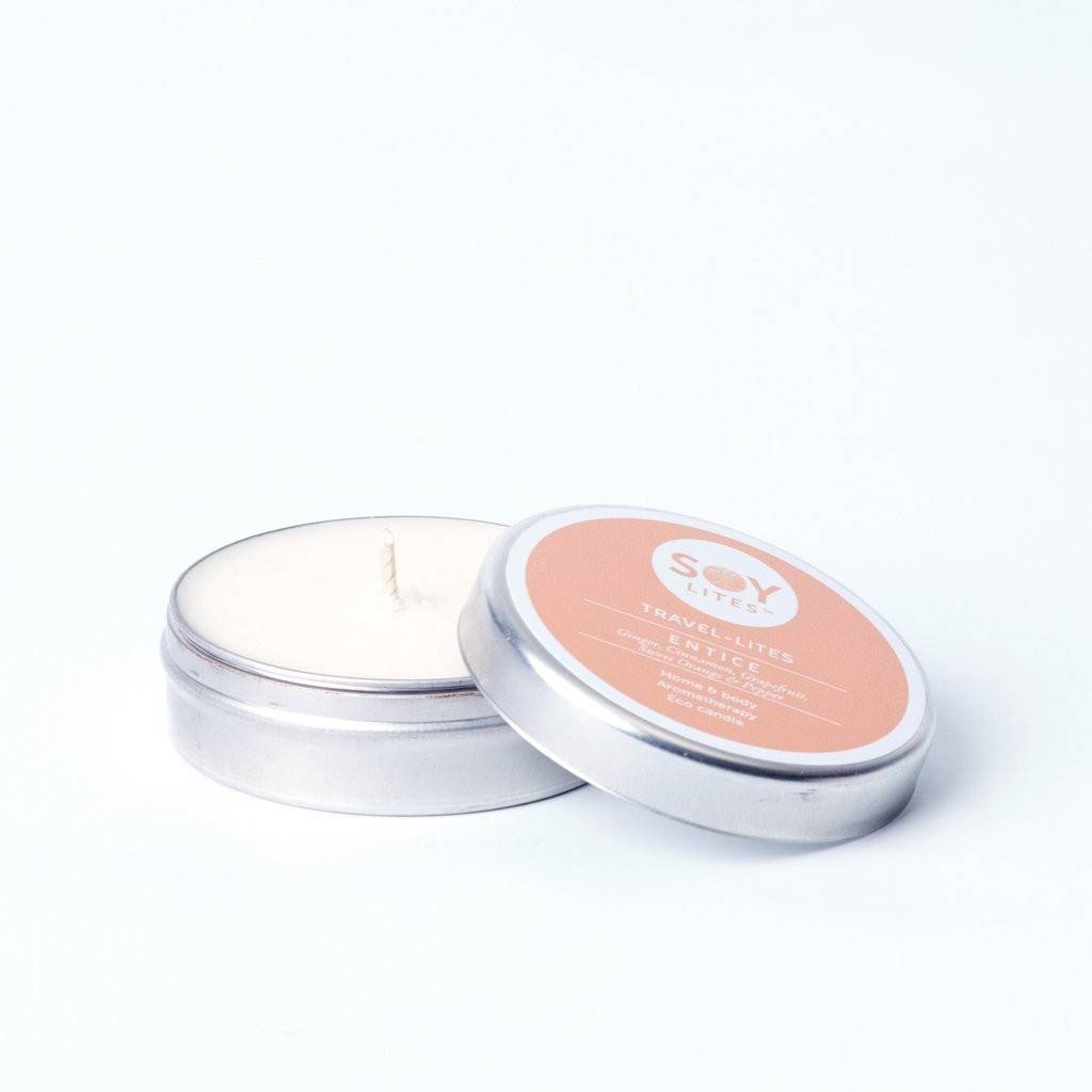 Lumanare Parfumata Crema cu Scortisoara - Entice 55Ml/74Gr