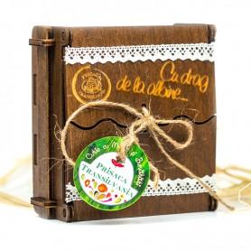 Cutie Tradiţională de Lemn cu 4 Bunătăţi Prisaca Transilvania - 4x30 g