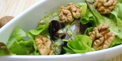 Salată Verde cu Nuci