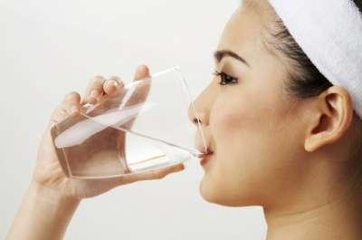 6 motive sa bei mai multa apa!