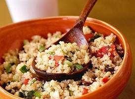 Quinoa cu seminte de in,stafide,morcovi si dovlecei