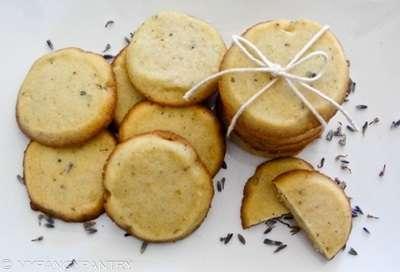 Biscuiți cu Levănțică și Miere de Manuka