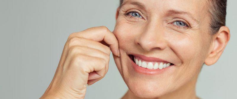 Cinci sfaturi utile pentru a avea un ten matur stralucitor si o piele intinsa